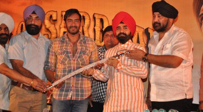 Photos: Ajay Devgn felicitated with 'Kirpan'