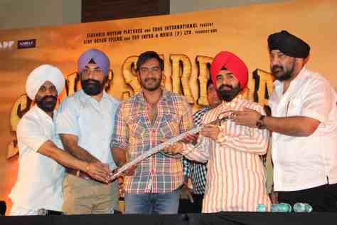 Ajay Devgn honored with Kirpan by Punjabi Cultural Heritage Board