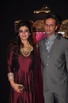 Jab Tak Hai Jaan - Premiere - Raveena Tandon. Anil Thandani