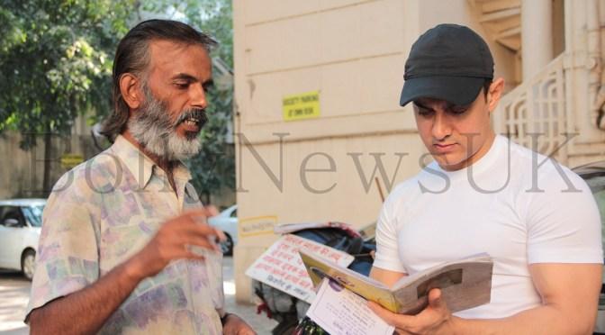 Aamir Khan meets a fan from Ranchi