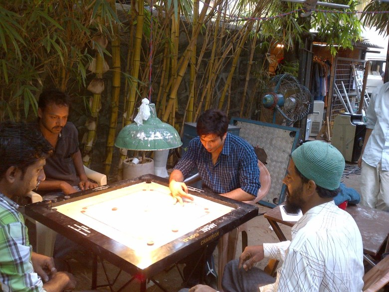 Shahid Kapoor playing Carrom