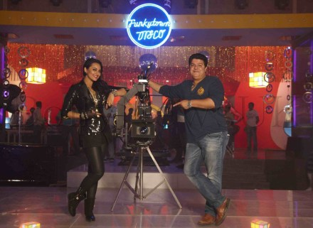 Sonakshi Sinha and Sajid Khan during the song 'Thank God Its Friday' from Himmatwala1 (1)