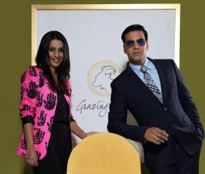 Ashvini Yardi & Akshay Kumar