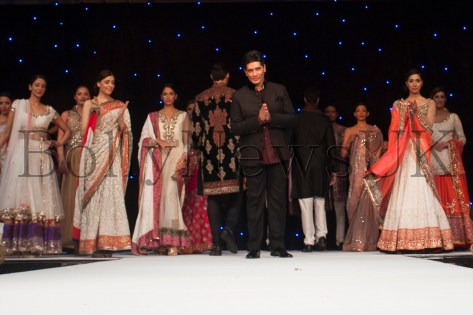Manish Malhotra receives huge applause from guests at Fashion Fundraiser in London for The Angeli Foundation