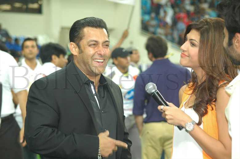 Salman Khan in Dubai (2)