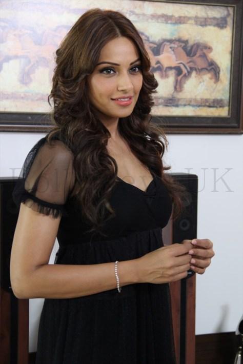 Bipasha Basu Aatma - Arjun (2)
