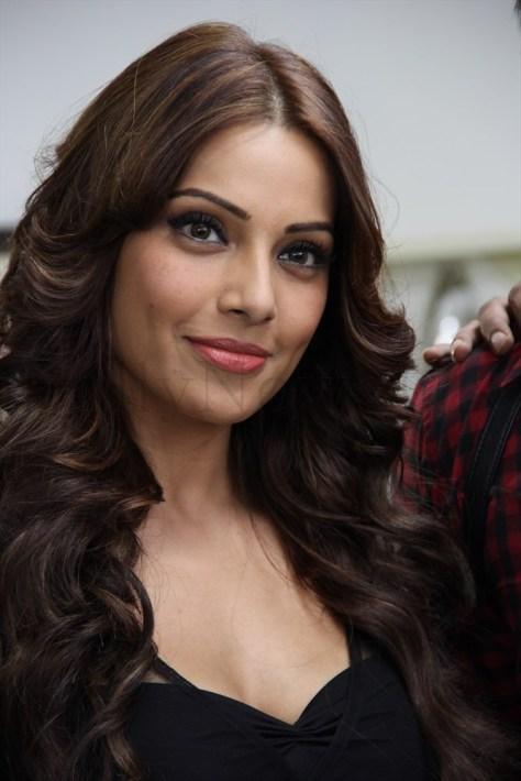 Bipasha Basu Aatma - Arjun (5)