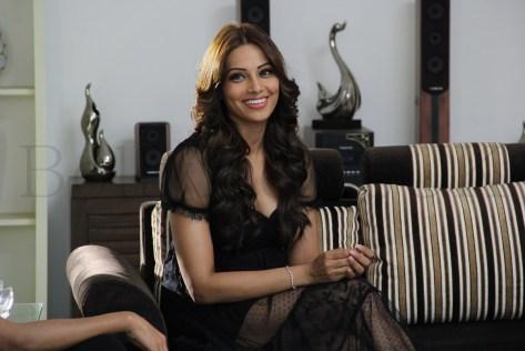 Bipasha Basu Aatma - Arjun (7)