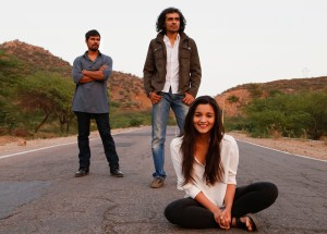 On the Highway! Randeep Hooda, Imtiaz Ali and Alia Bhatt on location- shooting for Ali's next film, 'Highway'