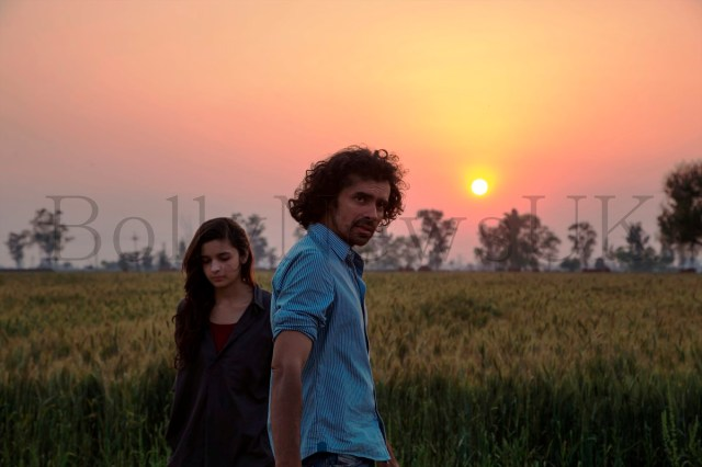 Alia Bhatt and Imtiaz Ali on location- shooting for Highway in Punjab,28.03.2013