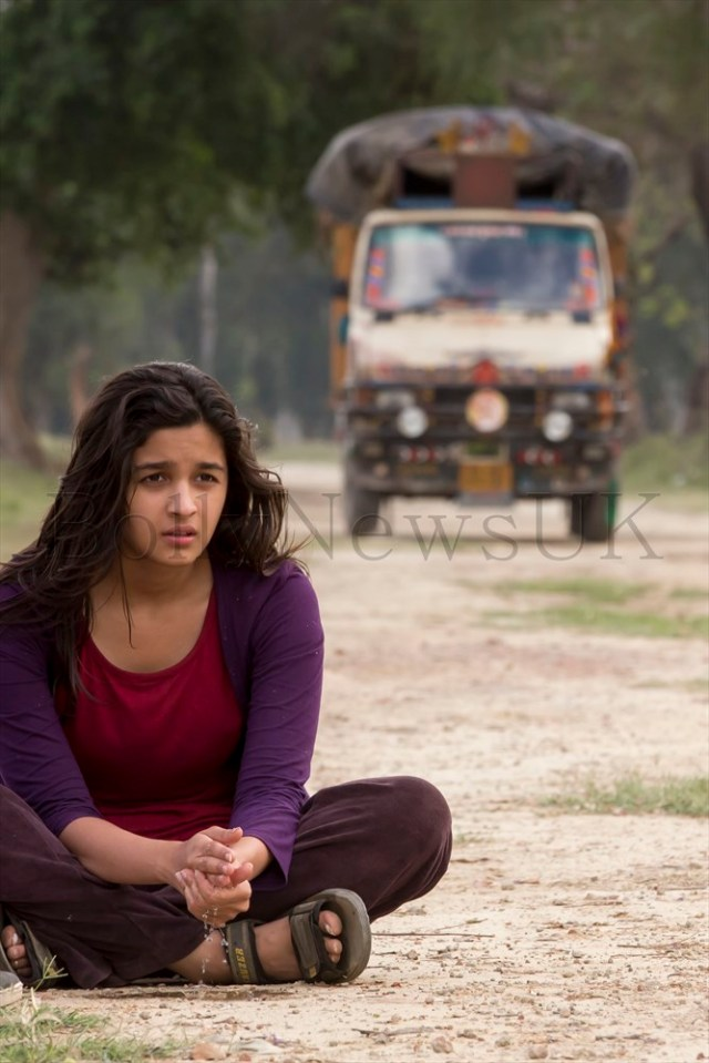 Alia sitting on the Highway in Faridkot, Punjab-27.03.2013