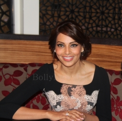 Bipasha Basu in London - Bollywood Showstoppers (3)