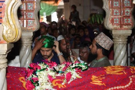 Emraan Hashmi prays for Ek Thi Daayan