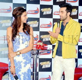 Ranbir Kapoor and Deepika Padukone at CLOSEUP promotions