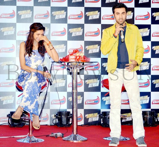Deepika Padukone and Ranbir Kapoor at CLOSEUP promotions