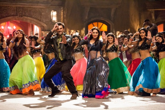 Ghahgra - Yeh Jawaani Hai Deewani - UK Release - Madhuri Dixit, Ranbir Kapoor (2)