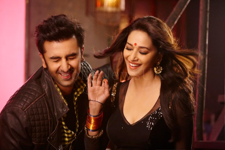 Ghahgra - Yeh Jawaani Hai Deewani - UK Release - Madhuri Dixit, Ranbir Kapoor (3)