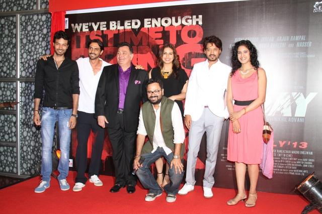 L-R Aakash Dahiya, Arjun Rampal, Rishi Kapoor, Huma Qureshi, Irrfan Khan, Sree Swara Dubey & Nikhil Advani in the front