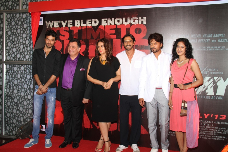 L-R Akash Dahiya, Rishi Kapoor, Huma Qureshi, Arjun Rampal,   Irrfan Khan, Sree Swara Dubey