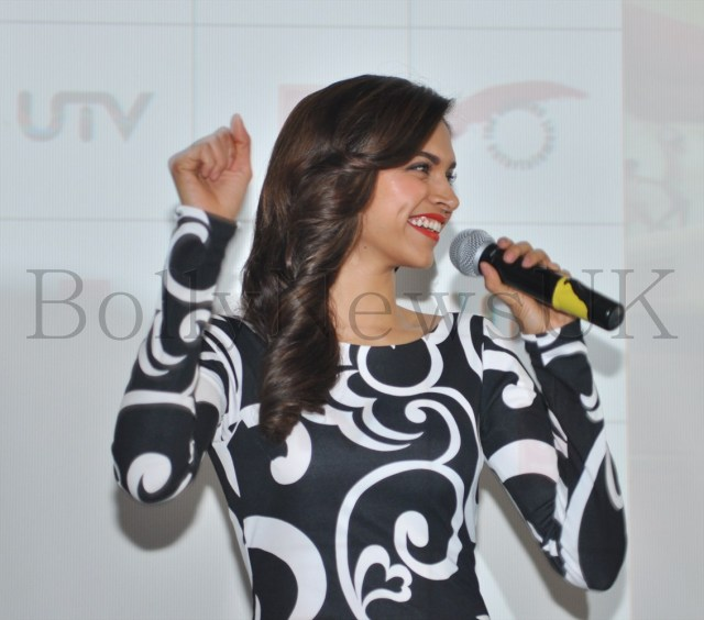 Deepika Padukone in London (4)