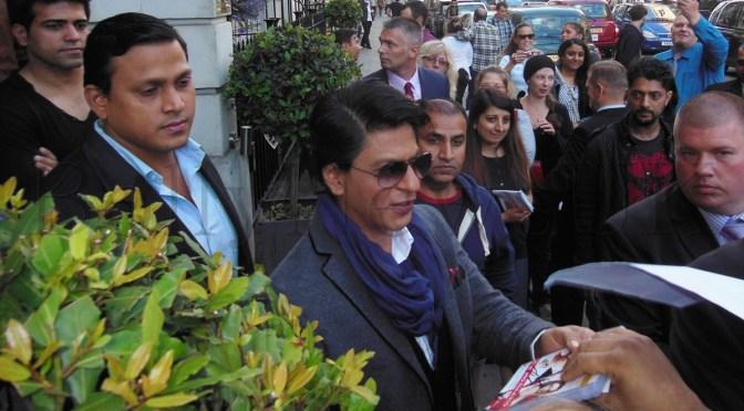 Shah Rukh Khan to star in YRF's 'Fan'