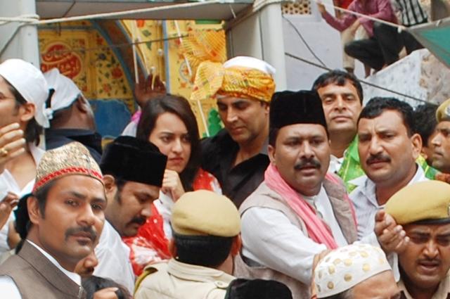 Akshay and Sonakshi (3)