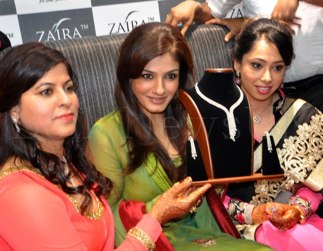 RAVEENA TANDON INAUGURATES 'ZAIRA DIAMOND' STORE IN NEW DELHI.JPG