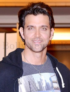 Hrithik Roshan promoting Krrish 3 in Singapore (20)