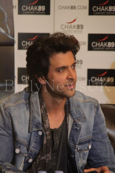 Priyanka Chopra and Hrithik Roshan in London for Krrish 3 with Sunny Malik (2)