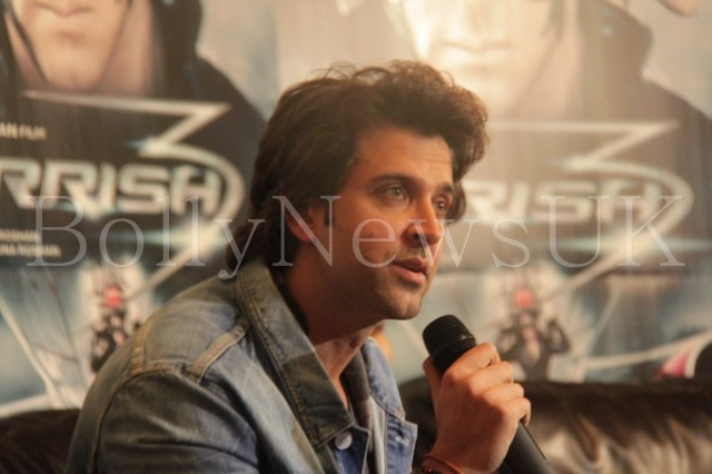 Priyanka Chopra and Hrithik Roshan in London for Krrish 3 with Sunny Malik (3)