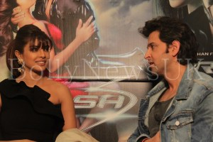 Priyanka Chopra and Hrithik Roshan in London for Krrish 3 with Sunny Malik (5)