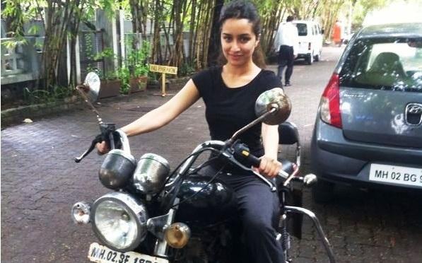 Shraddha Kapoor turns biker girl for 'The Villain'
