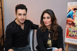 Gori Tere Pyaar Mein in London (12)