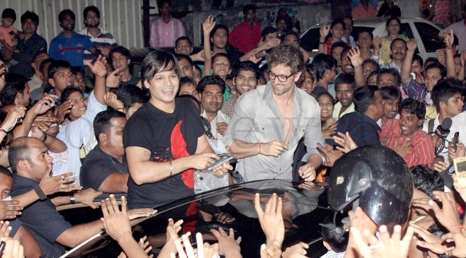 Photos: Hrithik Roshan gets mobbed