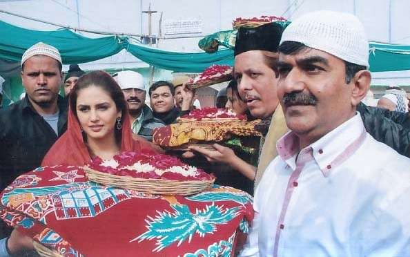 Spotted: Huma Qureshi at Ajmer Sharif