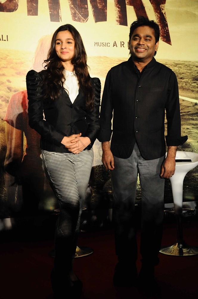Alia Bhatt & A R Rahman @ the 'Highway' event