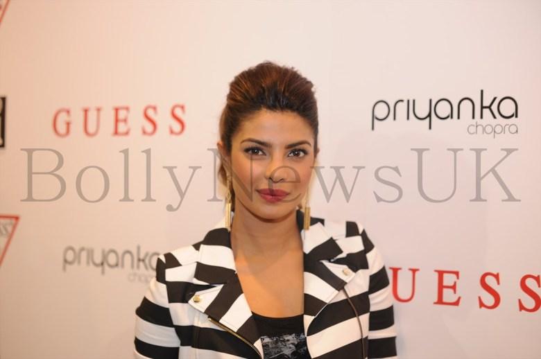 Priyanka at Guess store in London (6)