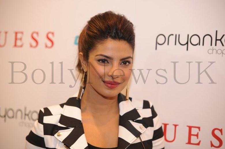 Priyanka at Guess store in London (7)