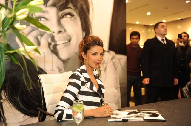 Priyanka Chopra at GUESS Store in London (4)