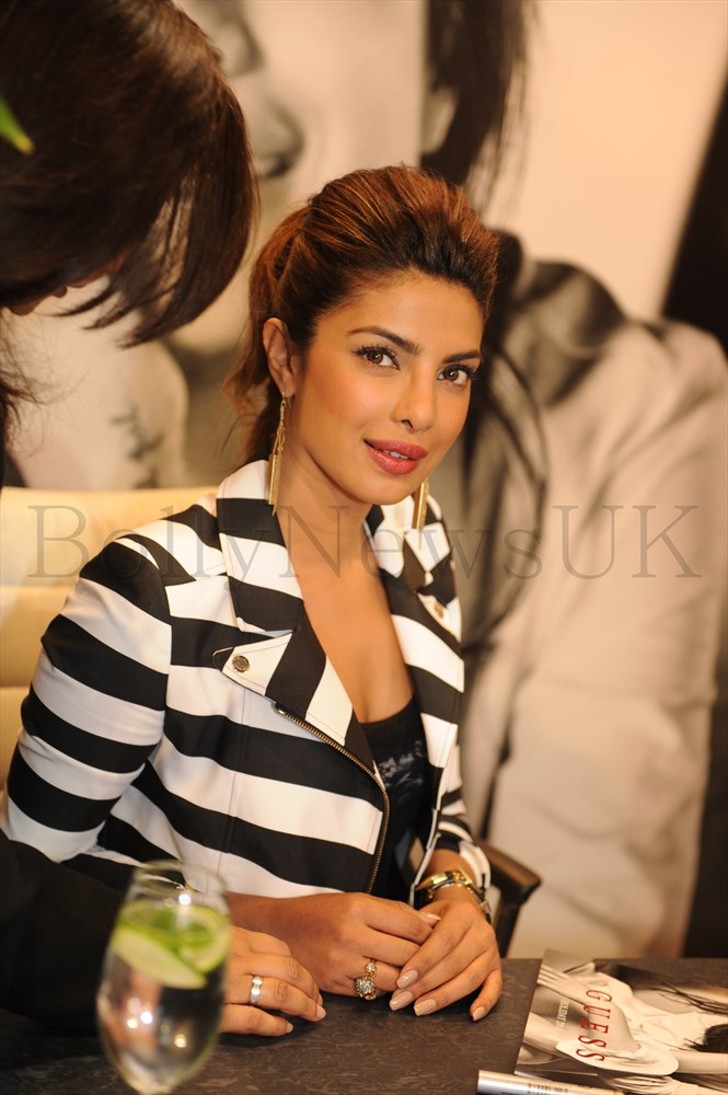 Priyanka Chopra at GUESS Store in London (5)