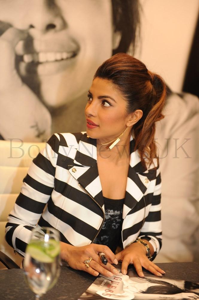 Priyanka Chopra at GUESS Store in London (7)