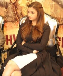 Alia Bhatt and Imtiaz in London (4)