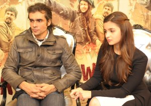 Alia Bhatt and Imtiaz in London (5)