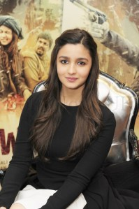 Alia Bhatt and Imtiaz in London (6)