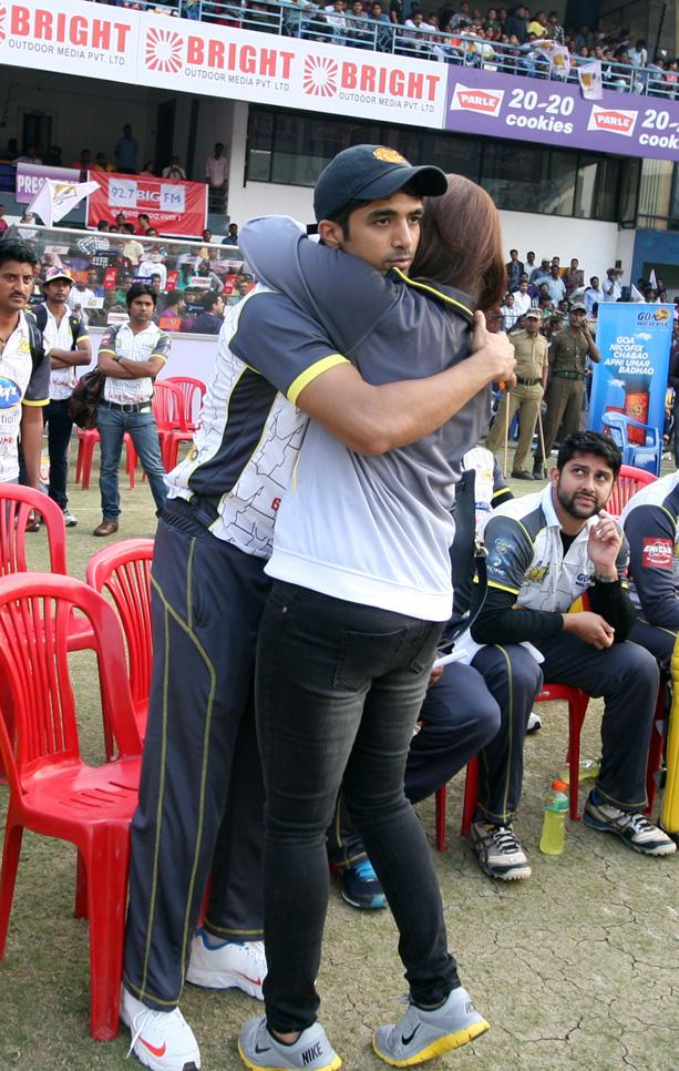 CCL 4 Bengal Tigers Vs Mumbai Heroes Match Photos (122)