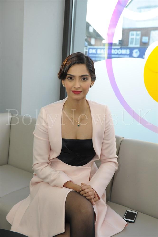 Sonam Kapoor in Dior in London - Bewakoofiyan (6)