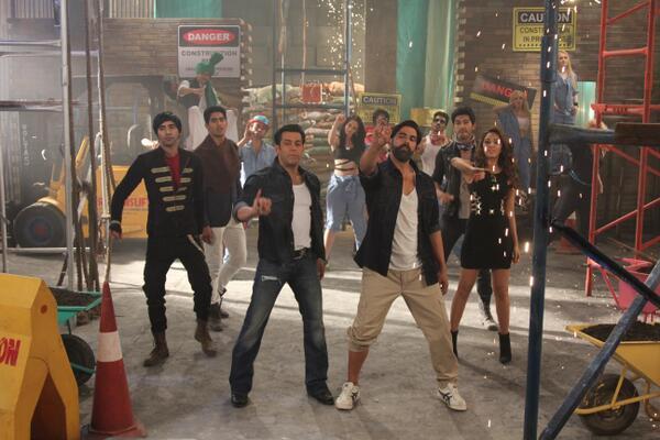 Salman and Akshay in Fugly