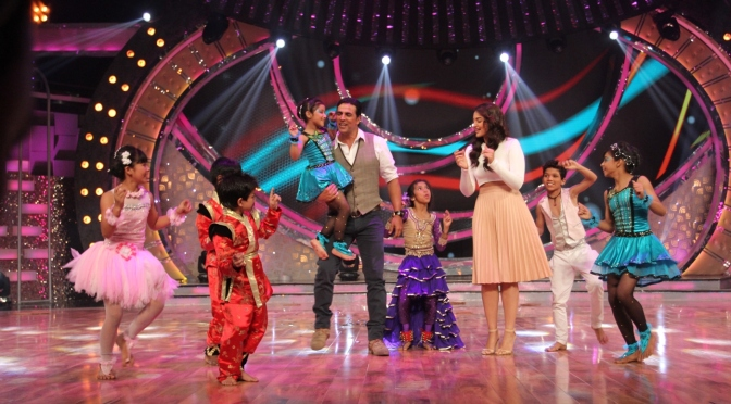Akshay Kumar and Sonakshi Sinha promote 'Holiday' on 'Dance India Dance'