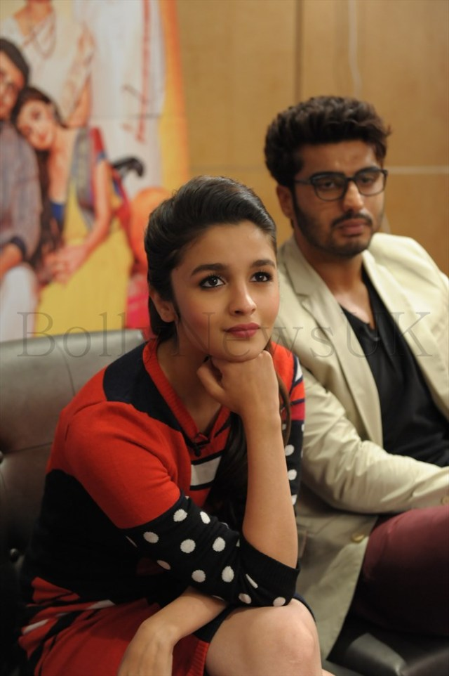 Alia Bhatt and Arjun Kapoor in London (1)