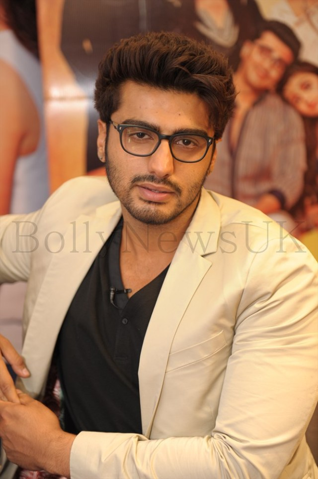 Alia Bhatt and Arjun Kapoor in London (2)